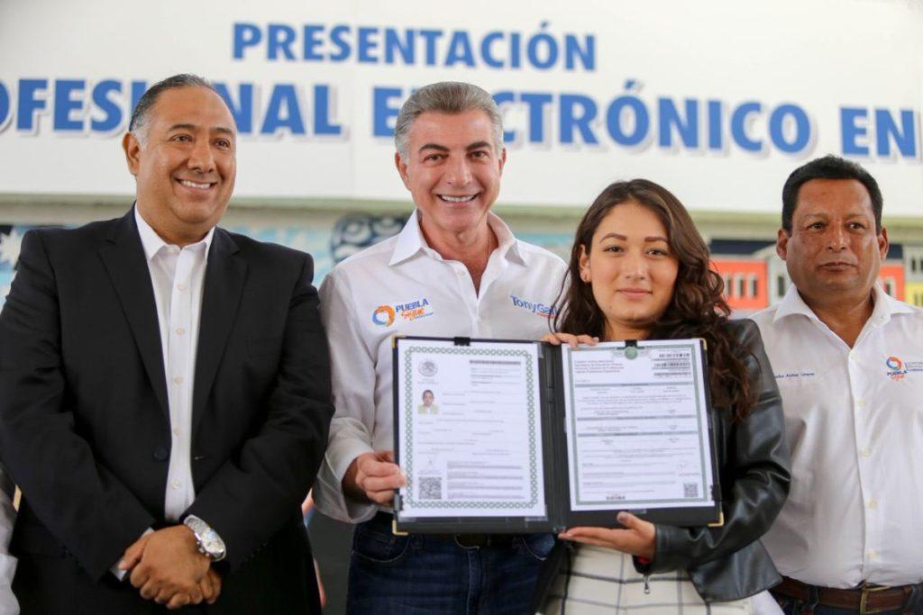 Puebla pionero nacional en emitir Títulos Electrónicos